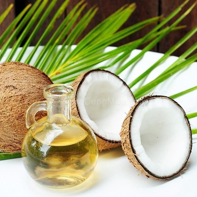 Chứa hàm lượng lớn Vitamin E, dầu dừa là nguyên liệu tuyệt vời ngăn ngừa lão hóa da