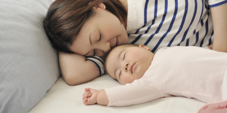 Ngủ đủ giấc giúp tinh thần mẹ thoải mái
