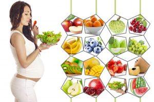 Trái cây tươi cung cấp nhiều vitamin và khoáng chất cho mẹ