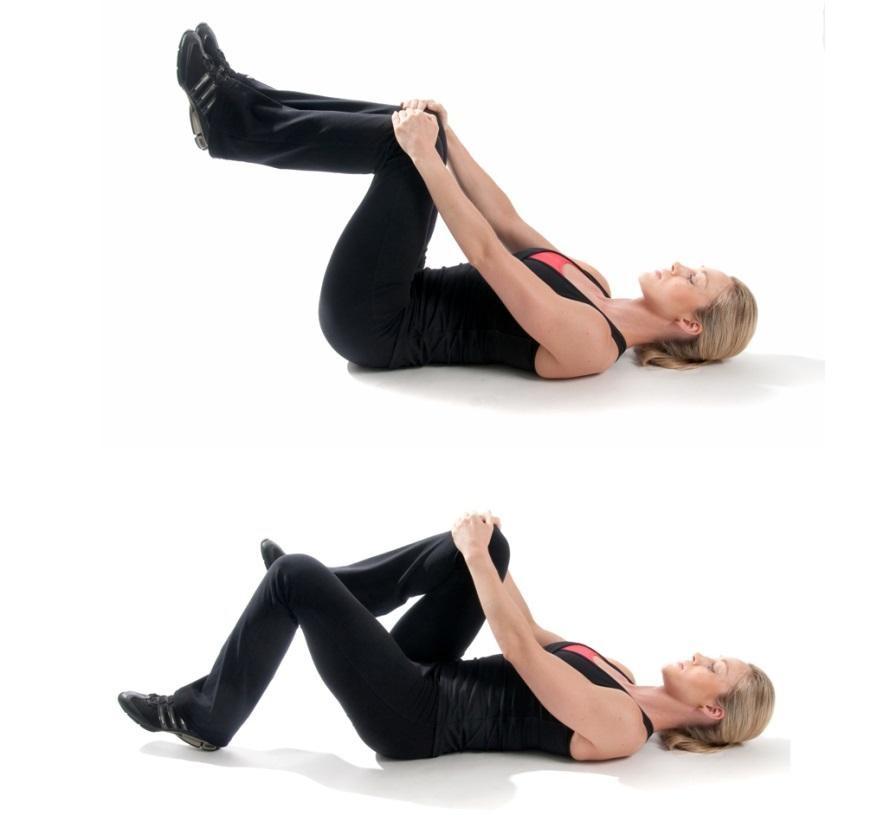 Vận động nhẹ nhàng giúp mẹ giảm mỡ bụng và nhanh chóng phục hồi vết thương