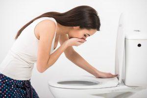 Buồn nôn là biểu hiện thường thấy của việc mang thai.